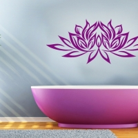 Lotusblume Wandtattoo in der Farbe Pflaume im Trendfarbumfeld Radiant Orchid