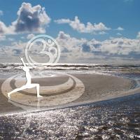 Bild für die Wand als Deko Yoga Der Held am Strand