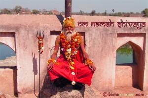 Mantra Rezitation mit Guruji
