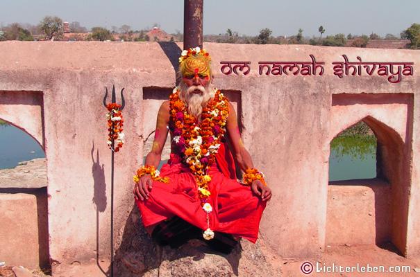 Guruji Mantra Rezitation mit Malas