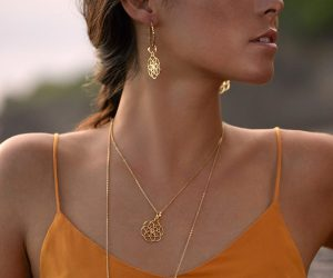 Saat des Lebens Ohrringe vergoldet  Kreolen mit Tibet Perlen