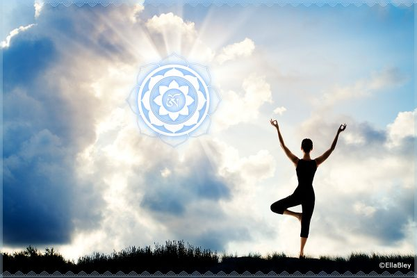 Yogastudio Wanddeko Yogahaltung mit Licht Wolken Wanddeko Fotoleinwand
